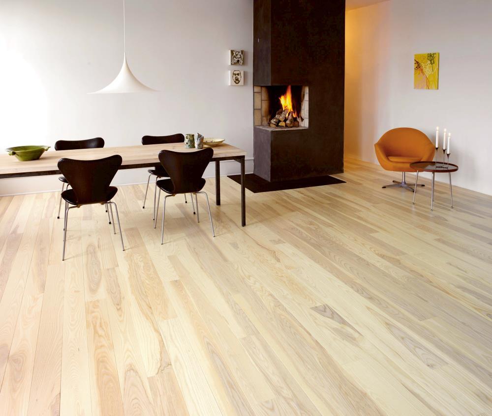 Eglinton carpets hardwood flooring toronto hardwood for Hardwood installation